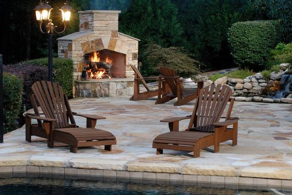 5 Outdoor Fireplaces For Your Patio